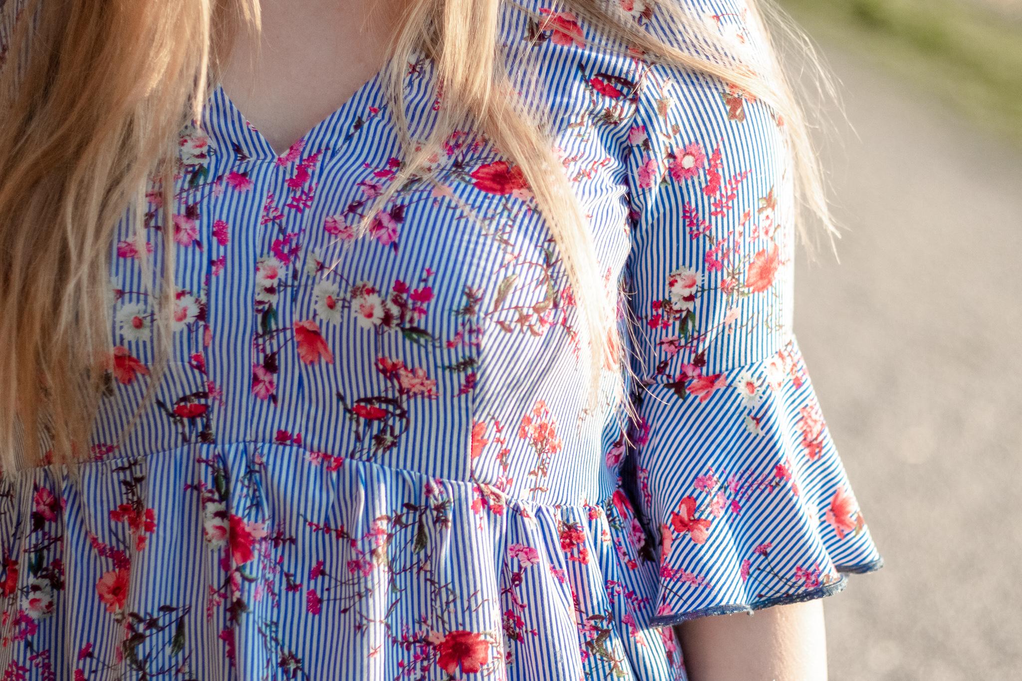 Bluse mit Volantärmel und Blumenstoff